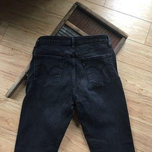 Black Ladies Levi's Mid Rise Skinny Jeans Size 10